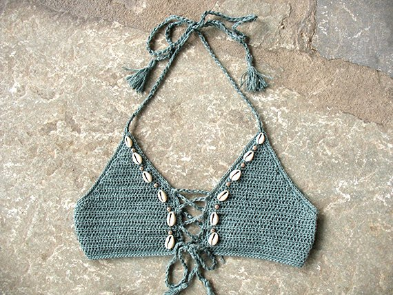 Crochet top with shells