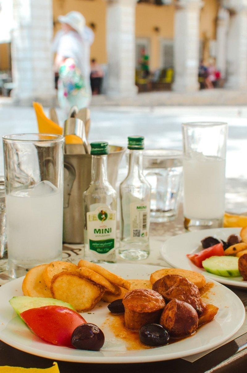 Meze à Corfu Town