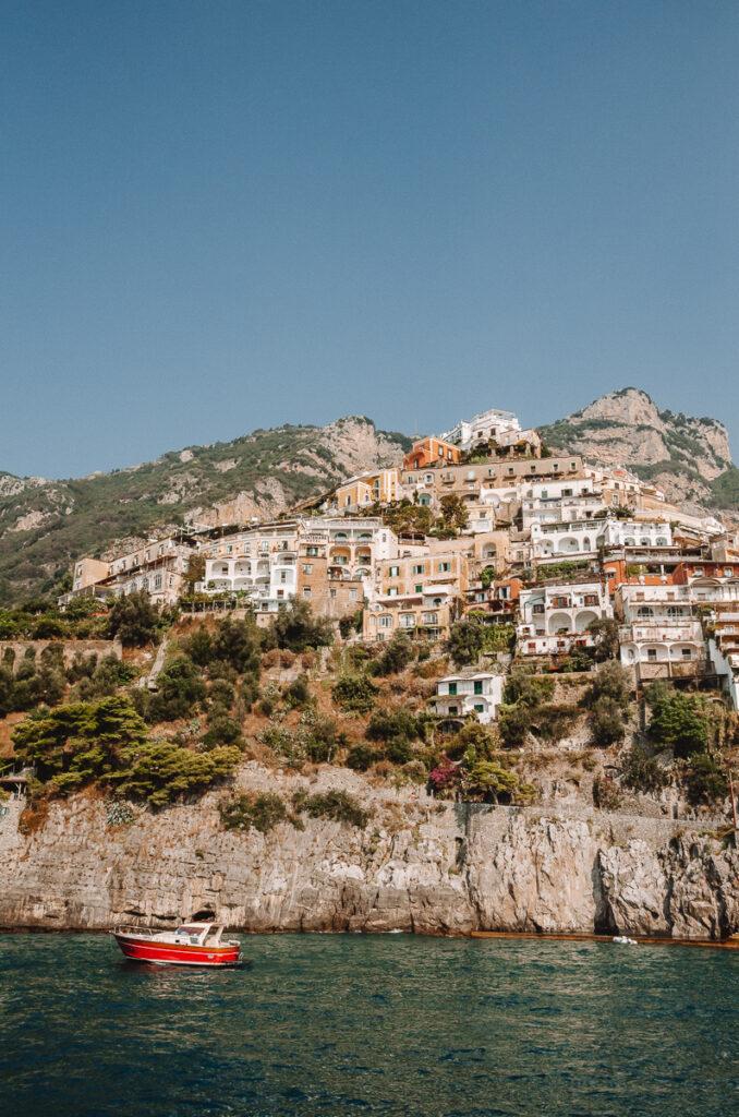 Maisons à Positano vues depuis le port