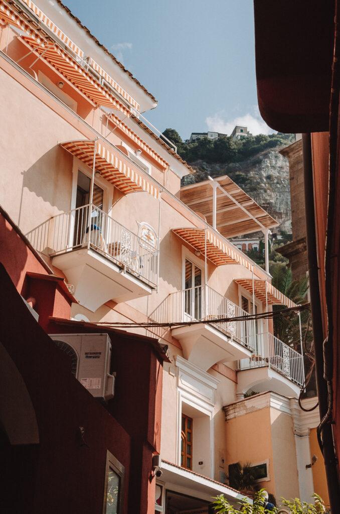 Pretty building in Positano