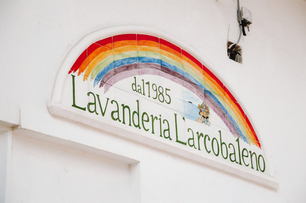 Hand-painted ceramics for a laundromat in Positano!