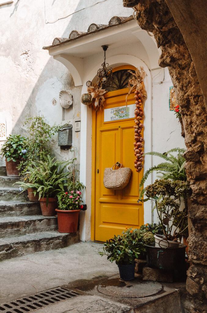Pretty door in Positano