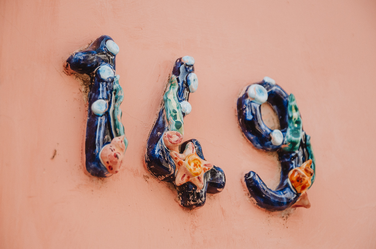 Numéro de rue en céramique