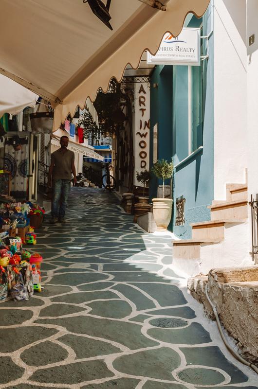 Jolie rue à Parga en Grèce